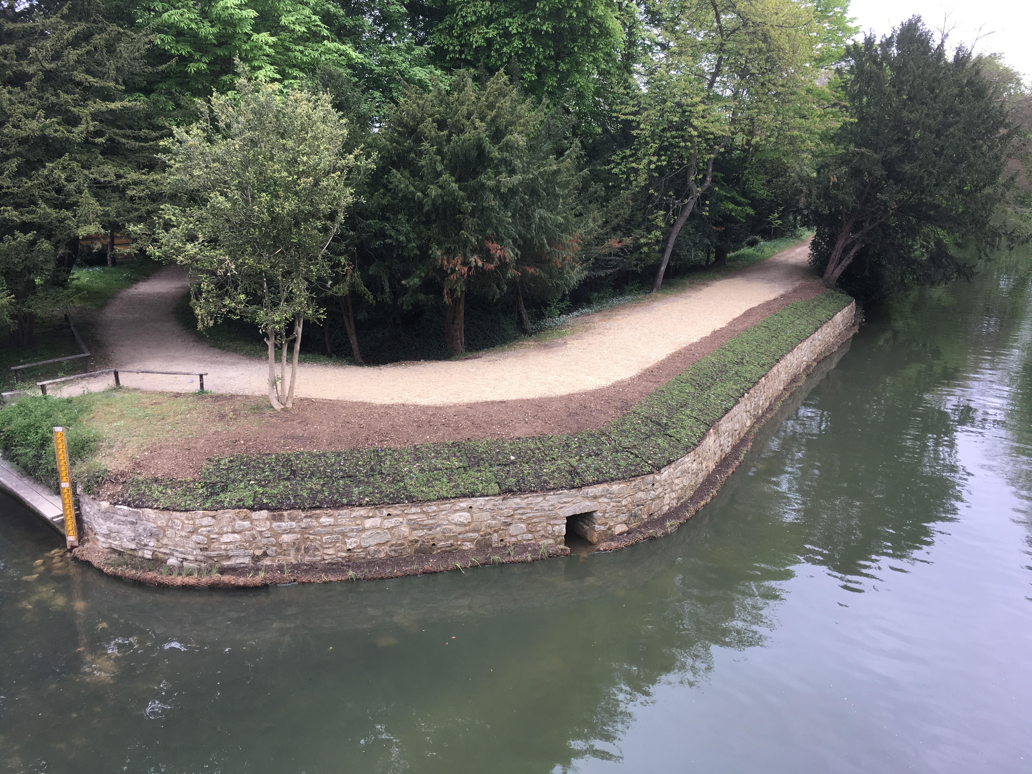 Oxford River Wall